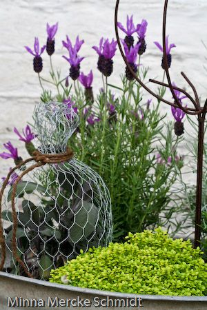 Wire ornament | Minna Mercke Schmidt