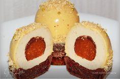 Муссовый десерт Изысканный десерт, который порадует вас не только отменным вкусом, но и оригинальной формовкой. Такие пирожные с уверенностью можно подавать к празднику или по особому случаю. Угощайтесь! #готовимдома #едимдома #кулинария #домашняяеда #десерт #мусс #пирожное #сладкое #праздничныйстол #праздничноеменю #изысканныйдесерт #угощение #чаепитие #вкусно