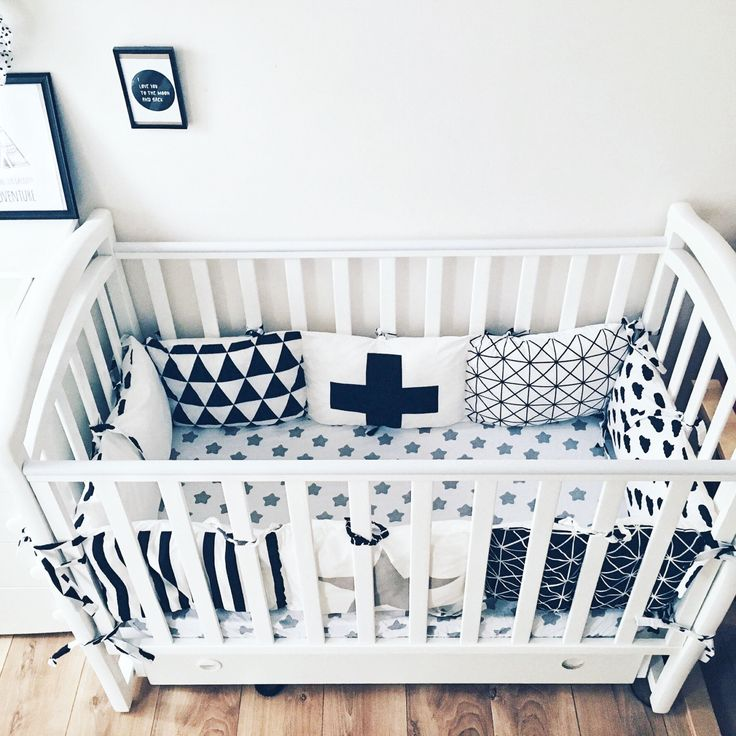 Crib Bumpers - Baby Bedding Bumper - Monochrome Bedding - Handmade Cradle Bumper - Black Geometric Bumper - Black Stars Bumper - Cot Bumper by KarambaKids on Etsy