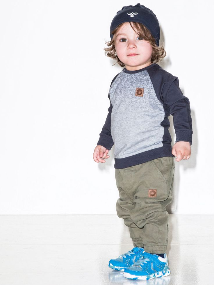 Hummel kids jongens sweater Rocky. Stoer, sporty en streetwise. Een all time favorite