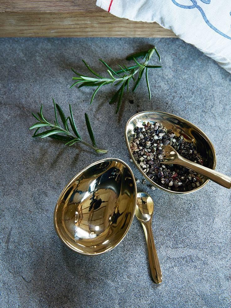 NEW Gold Salt & Pepper Pinch Pots
