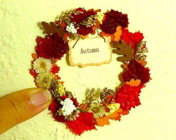 Puppenhaus Miniatur-Kranz für den Herbst mit Vorzeichen die