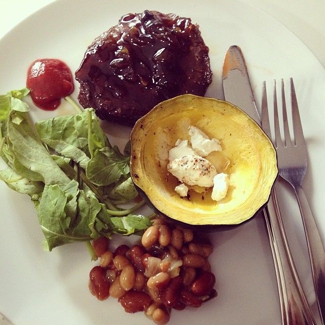 Lunch: Ostrich patty + rocket leaves + mixed beans + gem squash | Healthy eating | Eat clean | Lifestyle