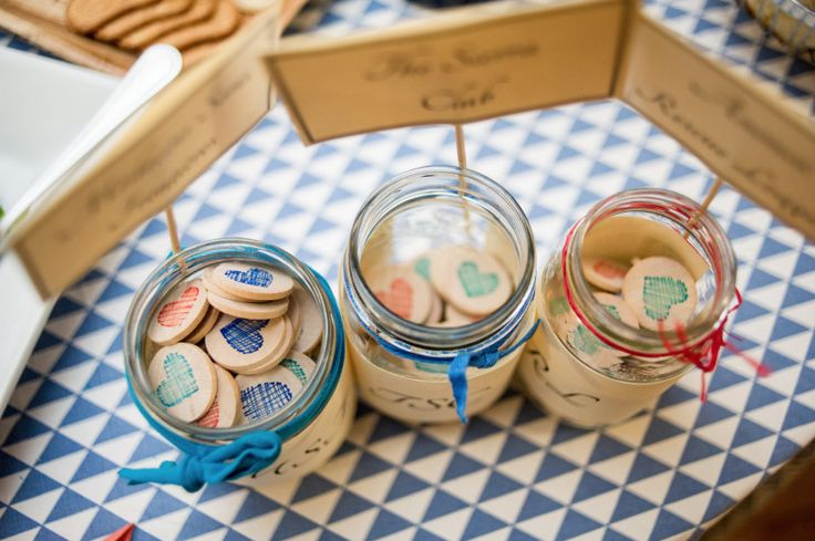 Super clever idea for wedding favors.... stolen from Buffalo Exchange, of all places!!