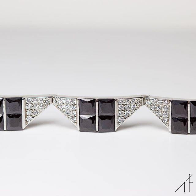 Set your sights on these black gems!  #afewjewels #jewel #jewelry #bracelet #ardeccobracelet #afew #fashion #style #Munich #gems #black #silver #fashionista #moda #amazing #beautiful #instamood #instagood #photooftheday #picoftheday #friday #weekend #goodmorning
