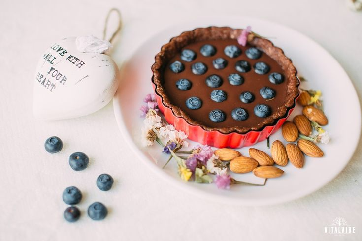 Valentine cake with blueberries - Vitalvibe