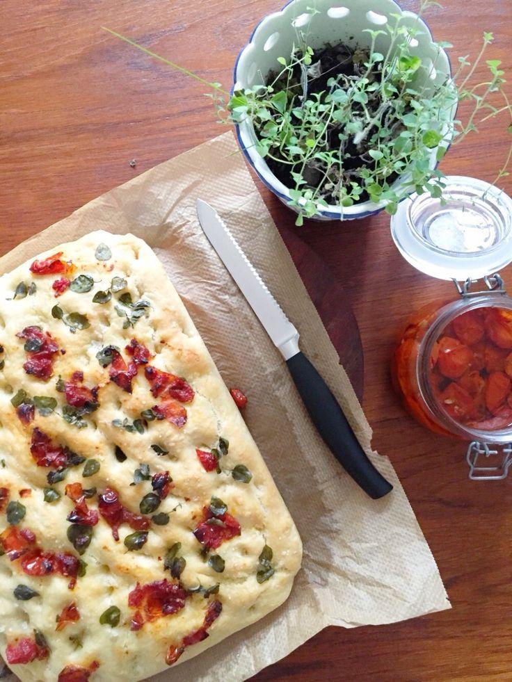 Focaccia med Soltørrede tomater og oregano