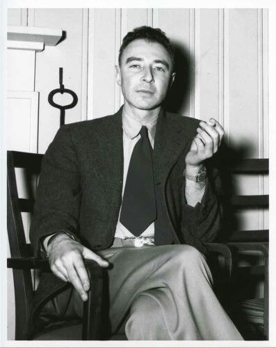 Oppenheimer have a cigarette. I make this look good.