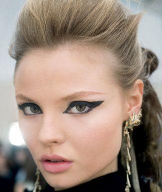Extra-thick!: Beautiful Makeup, Makeup Trends, Eye Makeup, Cat Eye, Cat Women, Makeup Looks, Makeup Eye, Make Up Style, Eye Liner