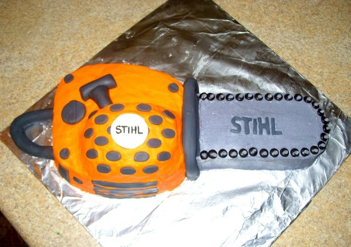 CHAINSAW CAKE https://www.facebook.com/media/set/?set=a.762045612530.2350836.20900333type=1#!/the.rachels.cakes