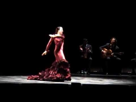 ▶ Maria Pages in scena al Teatro Auditorium Manzoni - YouTube