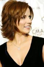 Martina Mcbride - I like this hairstyle!