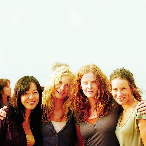 Yunjin Kim (Sun), Elizabeth Mitchell (Juliet), Rebecca Mader (Charlotte) & Evangeline Lilly (Kate) on the set of LOST.