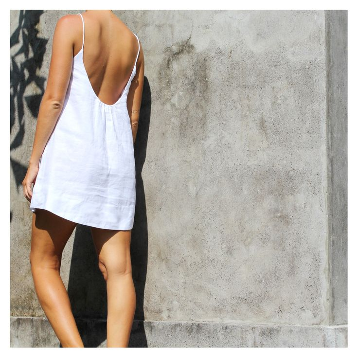 Milano dress from Weekend by Project Fifteen is effortlessly  chic! Made from 100% Linen and lined with 100% cotton. ❤️