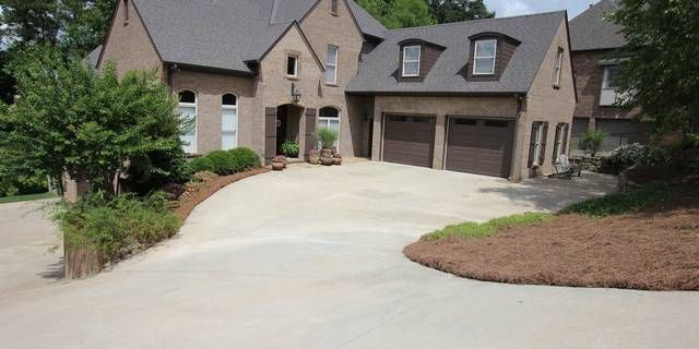 If this beauty where a checklist for best homes there would be no boxes unchecked. Would you like a home minutes from the new high school,minutes from shopping and dining, close to the neighborhood pool,look no further. This beauty has upper and lower level garages, plenty of driveway parking, a large lot with a private back yard, and more. Imagine entering your custom built home with soaring ceilings and first class finishes. Take in the hardwoods, beautiful crown molding, gourmet…