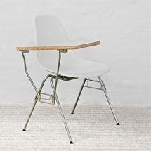 Designmøbel. VITRA. Eames Side Chair. DSS. Hvid. VITRA. Eames Side Chair. DSS. Hvid. Let anløbent stel. Sjælden model.