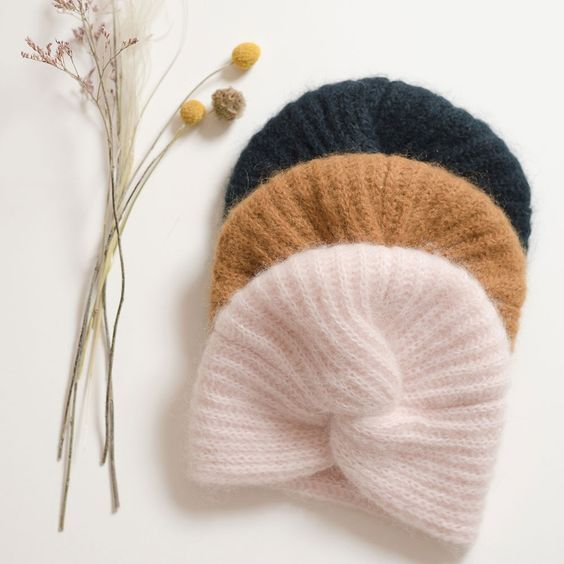 40c5752f988c Tricoter un turban au style rétro   Sew, Weaving, and Knit!   Pinterest    Knitting, Tricot and Tricot crochet