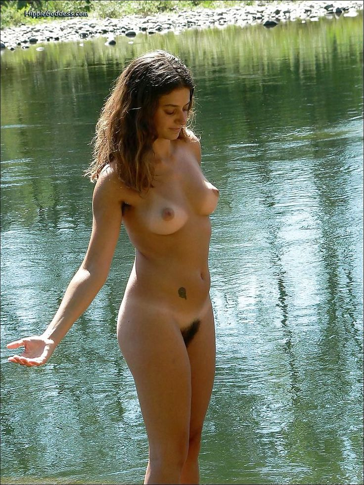 nudes girls natural bush