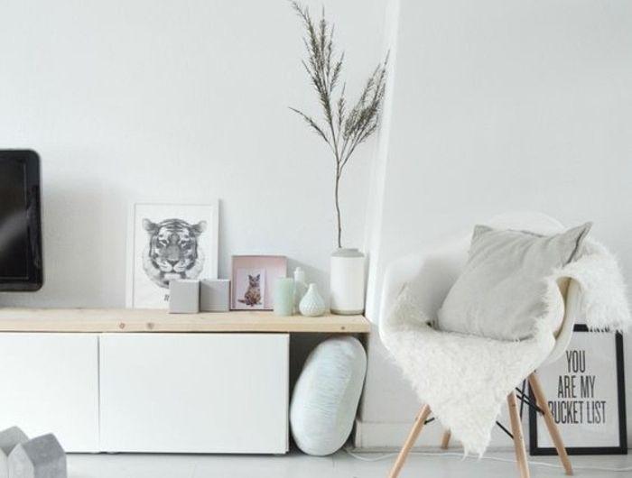 Les 25 meilleures id es de la cat gorie chaises blanches for Decorer appartement etudiant