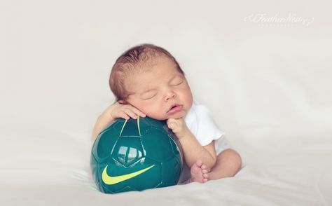 soccer ball newborn picture, I just think of Shakira and David Pique's baby when I see this #soccerBoysandGirls