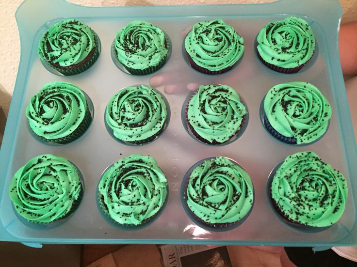"""Wicked"" cupcakes for Halloween"