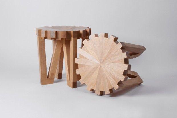 Richard Yasmine est un architecte d'intérieur et designer né à Beyrouth et diplômé de l'université libanaise. Il croit en une conception simple, audacieuse mais minimale avec une touche de fantaisie et fusionnant la dimension expérimentale avec un savoir-faire professionnel.  Se référant à l'horlogerie, un mouvement est connu comme un « calibre », c'est le «processus du temps ». Calibre 32 nous rappelle les engrenages industriels; le mouvement est de retour vers le temps d'une époque...