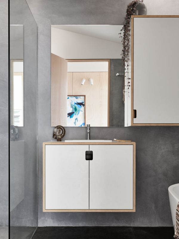 The Sociable Weaver Bathroom featuring Ocean Collection artwork by Hannah Nowlan, framed by Grain of Descent