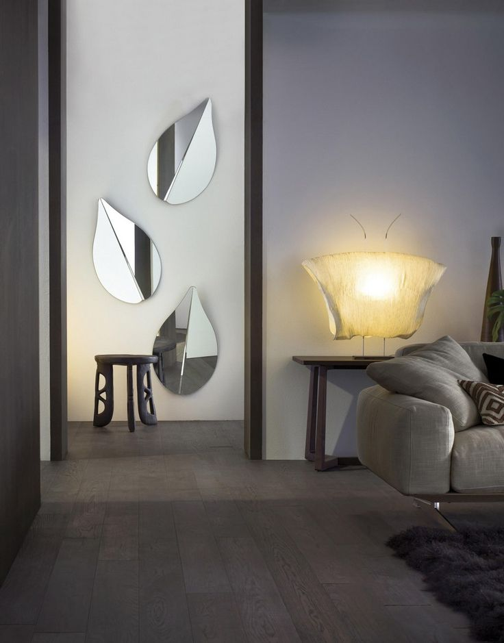 Spring is a hand polished mirror with a metal back panel, designed by Ricardo Belle Dias for Gallotti&Radice #interiordesign #italiandesign #wallmirrors #italianbrands #luxurybrands @gallottiradice