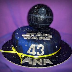 Bolo Guerra das Estrelas - Star Wars  #StarWars #GuerraDasEstrelas #Bolos #Chocolate #Cupcake #CakeDesign #Oeiras #Lisboa