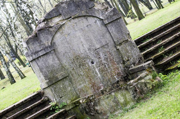 Park Tysiąclecia... resztki, które zostały z cmentarza
