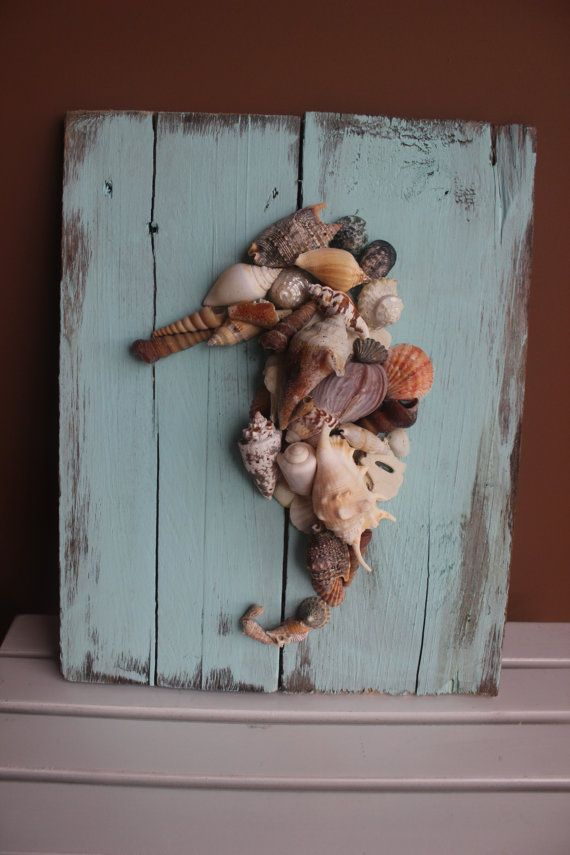 Barnwood and seashell! Next time we visit the beach, we can make this! Family project :)