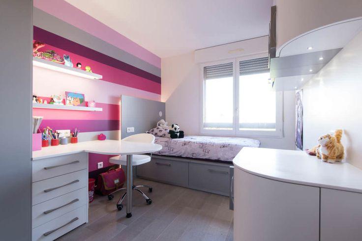 бело-розовая детская для девочки небольшой площади