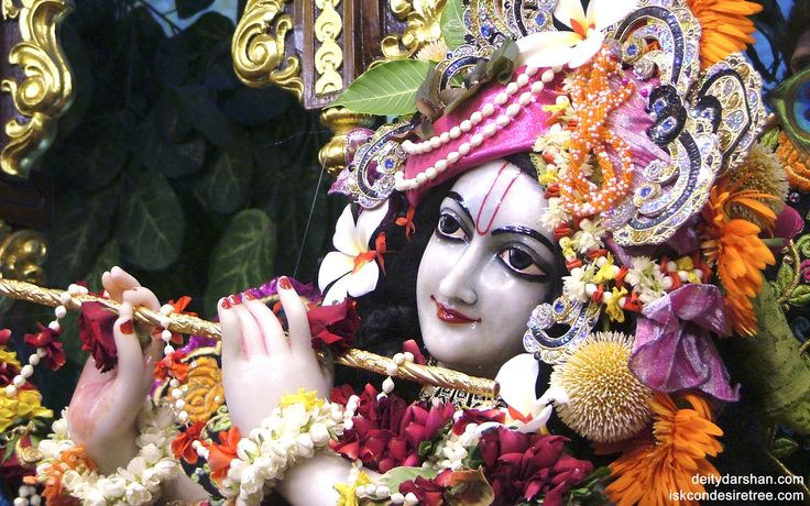 To view Gopinath Close Up Wallpaper of ISKCON Chowpatty in difference sizes visit - http://harekrishnawallpapers.com/sri-gopinath-close-up-wallpaper-012/