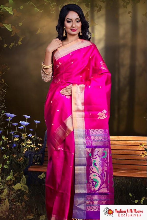f5e4ced3b62 As festivities approach put your best foot forward wearing this soft Kanchipuram  silk saree. The