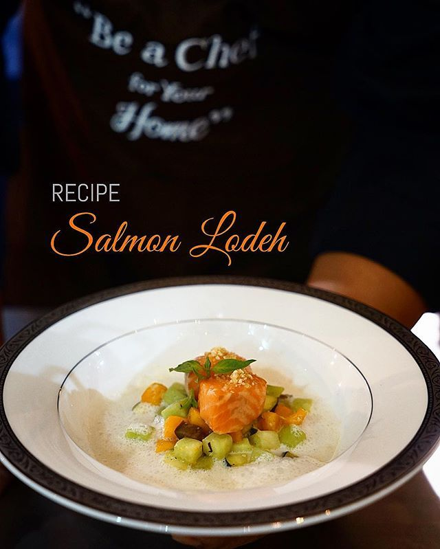 Today's Recipe, as promised. Salmon Lodeh Chef @deganseptoadji signature dish💚 Ingredients: •150 gr Salmon Fillet, skin off •1 tsp. Kaffir Lime Oil •1 pinch Fleur de Sel salt  Lodeh Vegetables: •1 tbsp. Vegetable Oil •½ tsp. Shallot, peeled and finely diced •½ tsp. Garlic, peeled and finely diced •30 gr Choko (Labu Siam), peeled, diced and blanched •30 gr Pumpkin, peeled, diced and blanched •30 gr Eggplant, diced •10 gr Green Beans, diced and blanched •Salt and Ground White Peper…