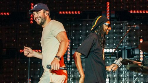 """Sam Hunt: Snoop Dogg Pitched Me Songs for My New Album """"I was just flattered that he was interested enough to offer those opportunities and contribute. I love that, stereotypes aside, he loves music and genres don't matter."""""""