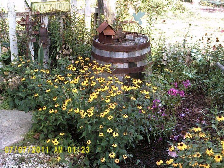 Primitive Garden Ideas Pinterest Photograph   love it   Prim – Outside decor