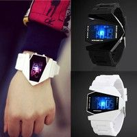Wish | COOL Men's Oversized Light Digital Sports Quartz RUBBER Wrist Watches( 7 Colors Changing Light)