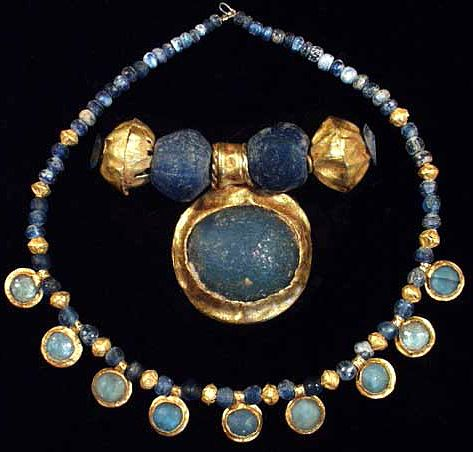 ROMAN-GOLD-AND-GLASS-NECKLACE-2-3-century-AD-ancienttouch.com_.jpg (473×452)