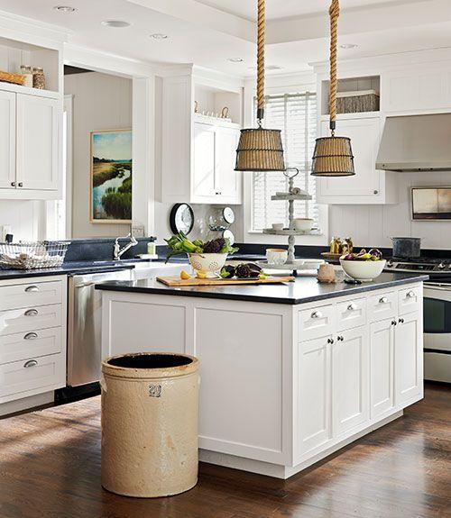 des supensions originales au dessus de l 39 lot de la cuisine ma cuisine pinterest ilot. Black Bedroom Furniture Sets. Home Design Ideas