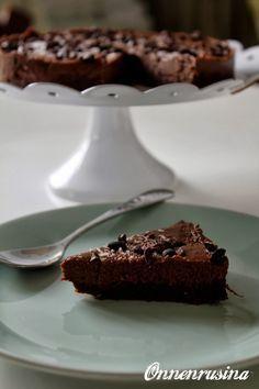 Onnenrusina Lupa herkutella: Suklainen raakakakku