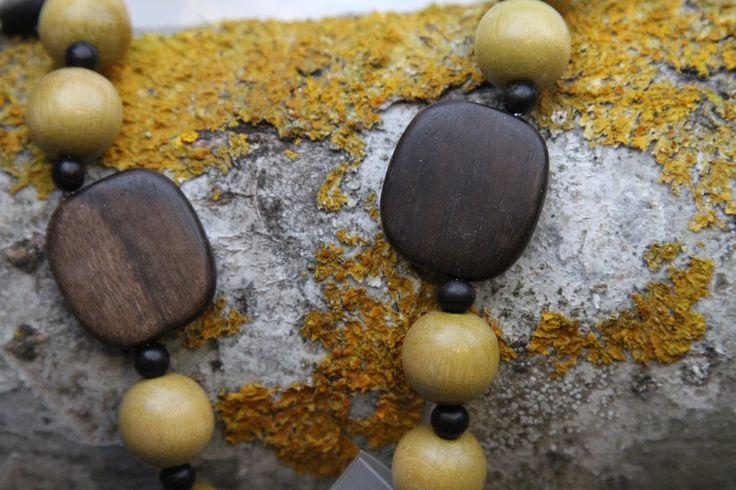 Wooden bead necklace by Teija Marjamaa. jokiå design, Porvoo, Finland.
