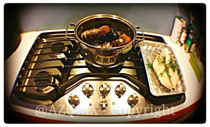 ¡La comida de hoy filete asado de Chilenean Seabass con azafran y romero acompañado de una cacerola de mejillones y colas de langosta con hierbas de Provenze y mantequilla Irlandesa! - #PapiAventuras -  @helenation @PinkGuayoyo +Helenation - #UK, #unionjack, #union_jack, #england, #Salvador, #Jesuit, #ihs, #jesuita, #ultramarathon, #raramuri, #Tarahumara, #NativeAmerican, #Georgia, #Armenia, #Caucasus, #Russia, #Yokuzuna, #Japan, #Tampico, #rosa, #rosas, #rose, #roses, #winter,  #vinter…