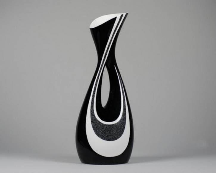 Przed złożeniem zamówienia na wazon prosimy o wcześniejszy kontakt ze sklepem internetowym pod adresem e-mail biuro@cmielow.com.pl lub telefonicznie pod numerem 15 861 20 21. Przy zamówieniu na kwotę powyżej 250 zł bilet do Żywego Muzeum Porcelany...