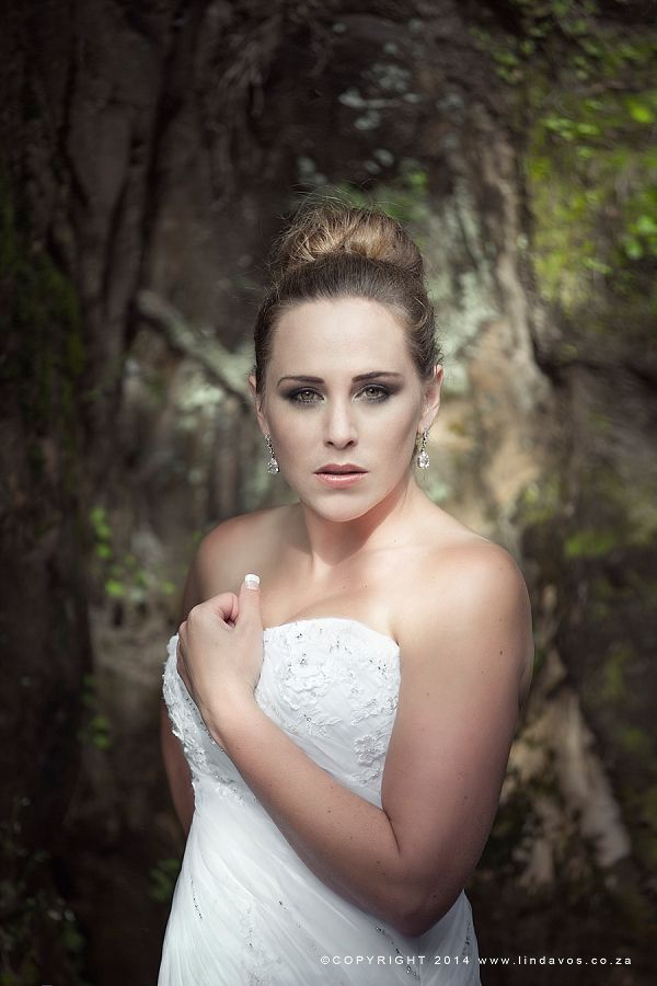 Beautiful Waterfall Trash the dress photography In South Africa by www.lindavos.co.za