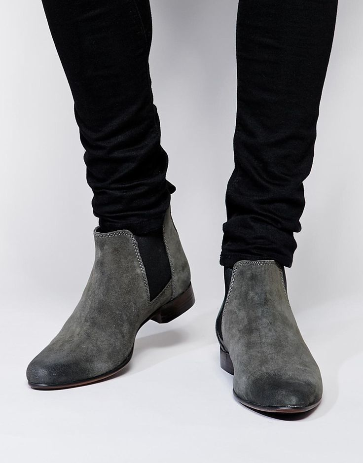 """""""$"""" Chelsea Boots in Suede: 540 ,-  http://www.asos.com/ASOS/ASOS-Chelsea-Boots-in-Suede/Prod/pgeproduct.aspx?iid=5021130&cid=4209&Rf989=5023&sh=0&pge=3&pgesize=36&sort=-1&clr=Grey&totalstyles=139&gridsize=3"""