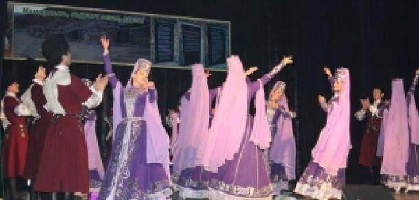 Двухчасовой концерт собрал 250 тысяч рублей http://kavkaz.co/1381