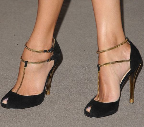 Gucci...Having a, Carrie Bradshaw I need these shoes, moment! #thingsgirlssay