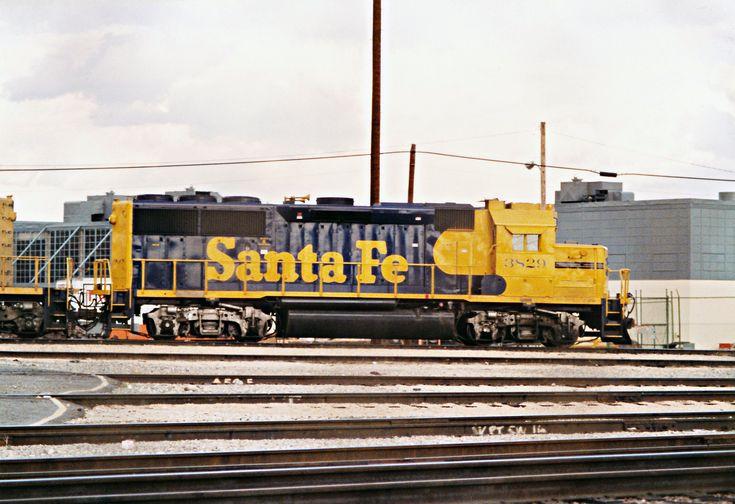 https://flic.kr/p/E7yYxo | Santa Fe GP50 No. 3829 At Hobart Yard
