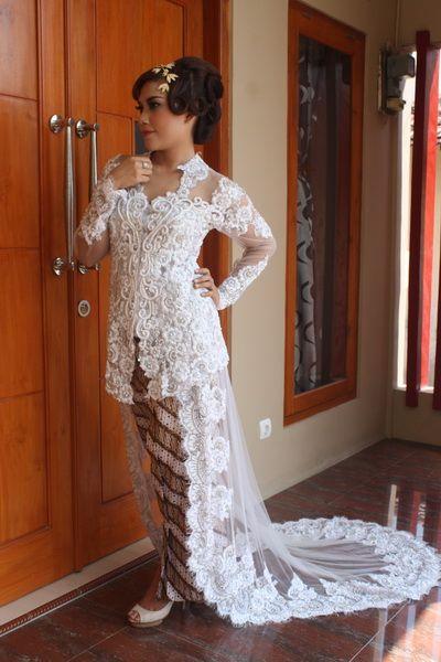 Kebaya Wedding, Kebaya Pengantin, Kebaya Pernikahan, Kebaya Gaun, Kebaya Dress, Kebaya Terbaru. Klik  GrosirKebaya.Net